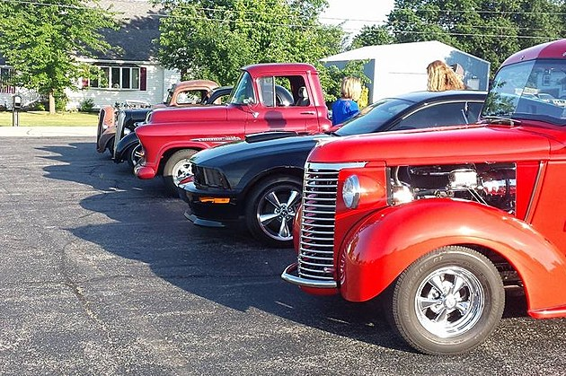 Evansville River City Bop Club Dancing with the Cars - Car show 2016/Facebook